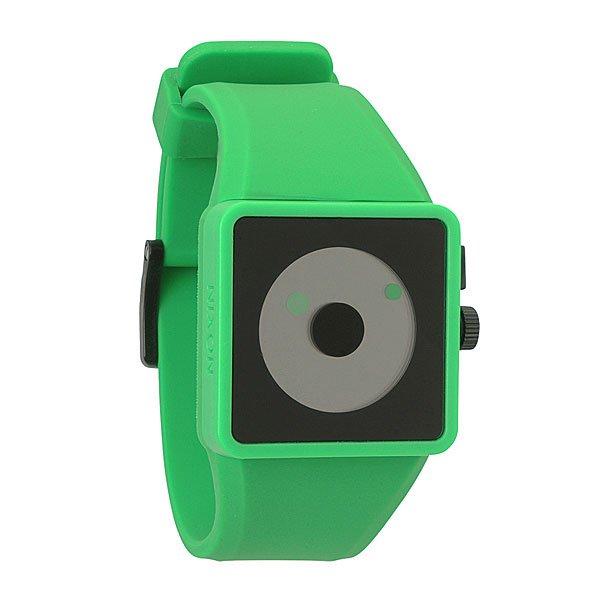 Часы Nixon The Newton GreenСимпатичные, стильные и необычные! Часы и минуты на циферблате отображаются с помощью кружков. Японский механизм с люминесцентной подстветкой. Корпус из поликарбоната. Силиконовый ремешок с пластиковой застежкой.Механизм: кварцевый, 2 стрелки, с подсветкойКорпус: ширина 37.75mm, поликарбонат, водонеприноцаемость с характеристикой 30 м (3 атмосферы, брызги, дождь, нельзя погружаться и плавать), усиленное минеральное стеклоРемешок: силикон, запатентованная петля с замком, застежка из поликарбоната. Ширина 25.50mm<br><br>Тип: Кварцевые часы<br>Возраст: Взрослый<br>Пол: Мужской
