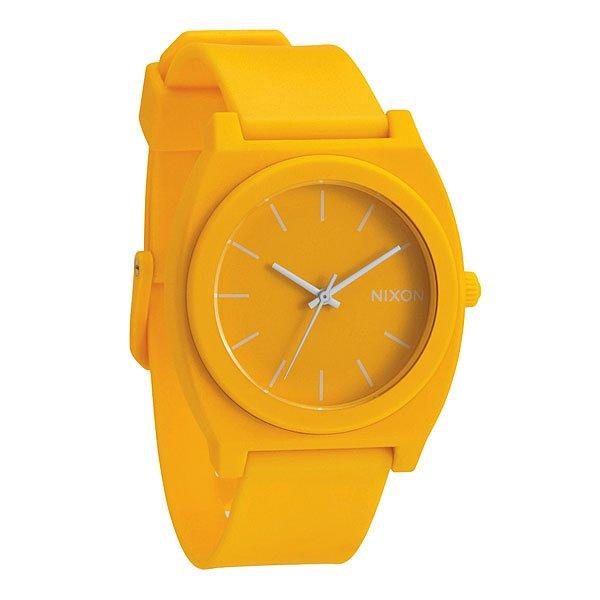 Часы Nixon Time Teller P Matte YellowМаксимально плоские, кислотно яркие и невероятно простые, эти часы созданы для того, чтобы сообщать вам точное время. Японский кварцевый механизм, поликарбонатный корпус с прочным минеральным стеклом, полиуретановый ремешок, поликарбонатная застежка, и водонепроницаемость 100 метров, делают данные часы прекрасным выбором для людей, которые проводят свой отдых на воде.Корпус:Тип: цельный корпус с привинчиваемой крышкой и заводной головкойДиаметр: (40 мм)Материал: полимерныйБезель: фиксированный из поликарбонатаУсиленное минеральное стекло;Водонепроницаемость: 100 мМеханизм:Механизм кварцевый Miyota (Япония)Точность: 1/20 секундыФункции: часы, минуты, секунды.Браслет:Ремешок: Фирменный полимерный ремешок с двойной фиксацией замка «Looking Lopper» (Мертвая петля), данный ремешок фиксируется не только замком из нержавеющей стали, но и сам ремешок имеет дополнительный фиксатор на кольце ремешка.<br><br>Тип: Кварцевые часы<br>Возраст: Взрослый<br>Пол: Мужской