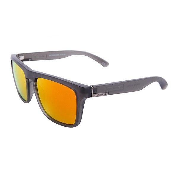 Очки Quiksilver The Ferris Black Trans/McRedМужские солнцезащитные очки в классической оправе.Технические характеристики: Материал оправы - Grilamid.100% защита от ультрафиолетовых лучей.Прочные линзы из поликарбоната.Линзы 3 категории защиты для очень солнечной погоды.Сделано в Италии.<br><br>Цвет: черный<br>Тип: Очки<br>Возраст: Взрослый<br>Пол: Мужской
