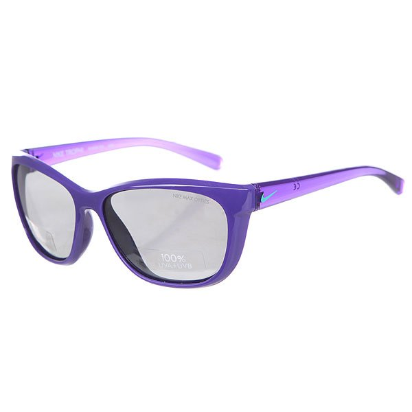 Очки Nike Optics Trophi Dark Concord Hyper Jade Grey W/Silver Flash LensСолнцезащитные очки с линзами Carl Zeiss с заботой о подрастающем поколении.Технические характеристики: Линзы Carl Zeiss.Эргономичная оправа для комфортной посадки.100% защиты от УФ-лучей.Технология Nike Max Optics - это передовое высокоточное оптическое решение для спортсменов. В сочетании с фотохромной технологией Transitions эти линзы способны адаптироваться к различным условиям спортивной деятельности и к изменениям освещения. Идеальные линзы для самых высоких спортивных результатов.Логотип Nike.Чехол в комплекте.<br><br>Цвет: фиолетовый<br>Тип: Очки<br>Возраст: Взрослый<br>Пол: Мужской