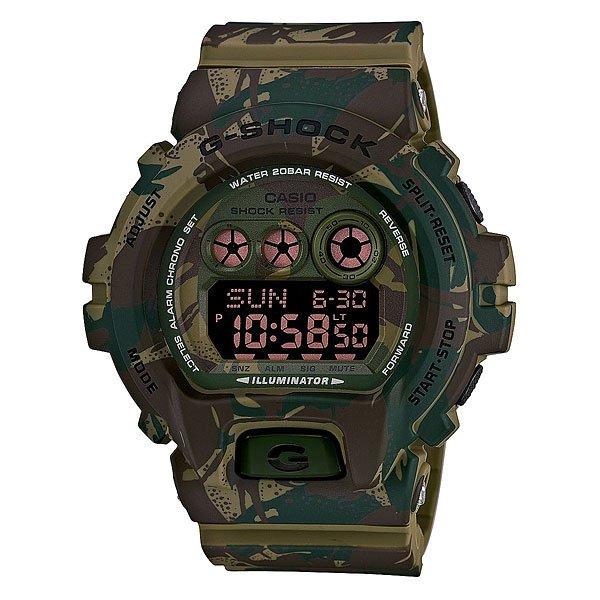 Часы Casio G-Shock Gd-x6900mc-3e Green/BrownМногофункциональные наручные часы в ударопрочном корпусе с подсветкой, секундомером, будильником, таймером, календарем на полиуретановом ремешке.Характеристики: Светодиодная подсветка дисплея и стрелок. Ударопрочная конструкция защищает от ударов и вибрации. Функция мирового времени.Отображение времени: аналоговый + цифровой, формат 12/24 часа, секундная стрелка отсутствует.Таймер с минутной точностью, обратным отсчетом и автоповтором. 5 ежедневных будильников, сигнал каждый час.Второй часовой пояс. Функция включения/выключения звука кнопок.Прочное, устойчивое к царапинам минеральное стекло защищает часы от повреждений.Корпус из полимерного пластика и нержавеющей стали. Ремешок из полимерного материала. Водонепроницаемость (20 Бар/200 м). Элемент питания – CR2032 (срок службы до 10 лет).<br><br>Цвет: зеленый,коричневый,камувляжный<br>Тип: Электронные часы<br>Возраст: Взрослый<br>Пол: Мужской