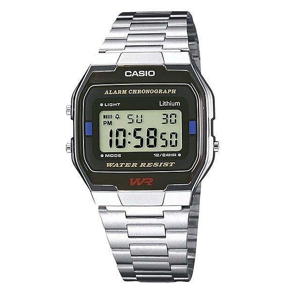 Часы Casio Collection A-163wa-1 GreyНаручные мужские часы по доступной цене. Классический дизайн с электронной индикацией включает в себя все основные функции: автоматический календарь, будильник и секундомер.Корпус и стекло выполнены из пластика (полимера) что делает их лёгкими и удобными в использовании. Браслет в свою очередь изготовлен из нержавеющей стали. Это позволяет служить им многие годы, не беспокоясь о его замене. Об этом говорят и отзывы поклонников моделей этой серии. Простота и функциональность обеспечивают высокий уровень продаж.Характеристики: Точность хода не хуже -10 +15 сек./в месяц.Точный кварцевый механизм.Функция секундомера с точностью измерений 1/100 сек. и общим временем 1 час.Автоматический календарь. Ежедневный будильник со звуковым сигналом.Функция повтора сигнала будильника (Snooze).Водостойкость 30 метров (3 АТМ). Браслет из нержавеющей стали. Срок службы батареи 7 лет.<br><br>Цвет: серый<br>Тип: Электронные часы<br>Возраст: Взрослый<br>Пол: Мужской
