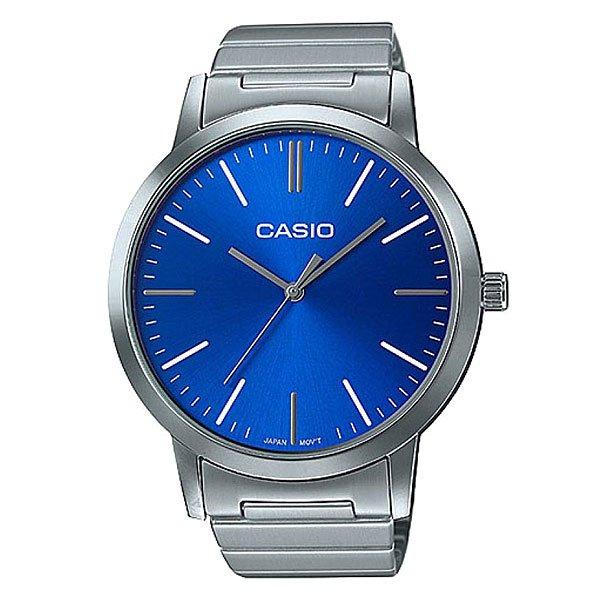 Кварцевые часы Casio Collection LTP-E118D-2AНаручные часы для женщин. Современный классический дизайн и достаточные тех. характеристики сочетаются с доступной ценой.Характеристики:Круглый корпус и браслет из нерж. стали.Минеральное стекло. Японский кварцевый механизм. Кварцевый механизм, модуль 5361, с аналоговой индикацией. Точность хода ±20 секунд в месяц. Элемент питания SR626SW рассчитан на 3 года работы. Центральные часовая, минутная и секундная стрелки. Корпус круглой формы выполнен в современном классическом стиле с элементами ретро-дизайна. Лакированный циферблат, аппликация часовых меток.Задняя крышка имеет винтовое соединение с корпусом. Браслет из нержавеющей стали 316L, регулируемая по длине застежка-замочек.<br><br>Цвет: синий,серый<br>Тип: Кварцевые часы<br>Возраст: Взрослый<br>Пол: Мужской