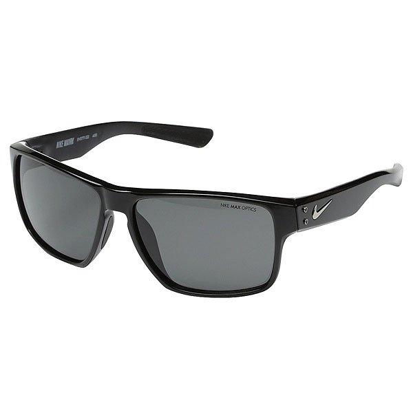 Очки Nike Optics Mavrk Black/Matte Black Dark Grey LensОщутите волну комфорта в классической оправе из облегченного нейлона, которая обеспечивает высокую степень защиты. Мягкие резиновые элементы позволят удерживать очки всегда на своем месте.Технические характеристики: Легкий нейлоновый каркас для комфорта и долговечности.Дизайн оправы с 6 опорами для спокойной, комфортной посадки.100% защиты от УФ-лучей.Петли Cam-action.Мягкие резиновые носовые упоры и дужки.Технология Nike Max Optics - это передовое высокоточное оптическое решение для спортсменов. В сочетании с фотохромной технологией Transitions эти линзы способны адаптироваться к различным условиям спортивной деятельности и к изменениям освещения. Идеальные линзы для самых высоких спортивных результатов.Логотип Nike.Ширина оправы 14 см, длина дужки 14 см, ширина линзы 5,9 см, высота линзы 4,5 см.<br><br>Цвет: черный<br>Тип: Очки<br>Возраст: Взрослый<br>Пол: Мужской