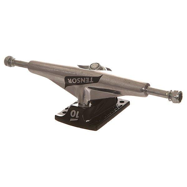 Подвеска для скейтборда Tensor Alum Lo Tens Colored Flick Raw/Black 5.75 (21.6 см)Ширина подвесок: 5.75 (21.6 см)    Высота подвесок: 55 мм    Цена указана за 2 штНесмотря на то, что алюминиевые подвески не такие лёгкие, как модели Maglight, они в равной степени прочные и отзывчивые. Идеально подходят для грайндов и четких поворотов и за счёт своего низкого профиля обеспечивают стабильность на высоких скоростях.Характеристики:В комплекте - 1 шт. Низкая подвеска. Материал: алюминий.<br><br>Цвет: серый,черный<br>Тип: Подвеска для скейтборда<br>Возраст: Взрослый<br>Пол: Мужской