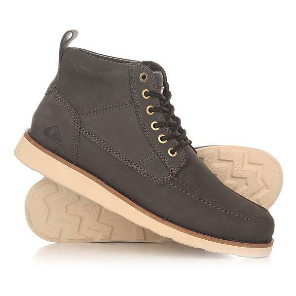 Ботинки высокие Quiksilver Sheffield Black/BrownОсень будет гораздо проще и комфортнее воспринимать в этих отличных высоких ботинках Quiksilver Sheffield. Традиционная модель, которая с каждым годом становится еще лучше. Прочная и надежная кожа, подошва Vibram и два набора шнурков - прекрасный выбор для любого стиля. Характеристики:Полностью кожаный верх. Вощеные хлопковые шнурки. Подошва Vibram. Нашивка с логотипом на язычке. Верхние люверсы для шнурков с логотипом. Тёплая подкладка. Вулканизированная резиновая подошва.<br><br>Цвет: серый<br>Тип: Ботинки высокие<br>Возраст: Взрослый<br>Пол: Мужской