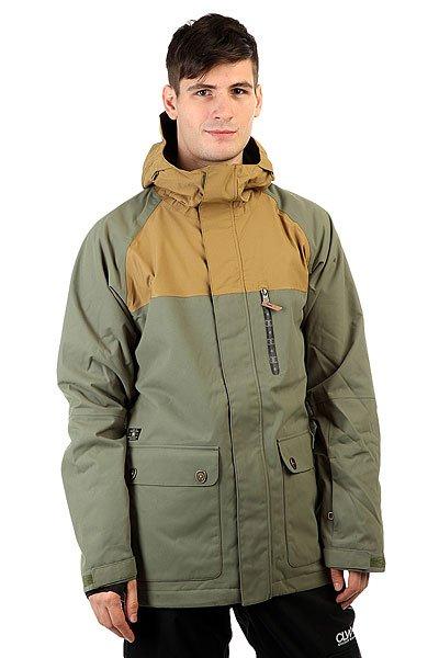 Куртка DC Clout Four Leaf CloverВыполненная в лучших традициях качества, эта куртка станет Вашим надежным защитником от снега, ветра и влаги. Высокотехнологичная дышащаямембранная ткань Exotex, которая сохранит Вас в тепле и сухости, при этом обеспечивая максимально комфортную температуру без перегрева, способна выдержать даже штормовые условия. Как утверждает сам производитель,серьезная гидроизоляция для серьезной погоды. Да, в такой куртке можно покорять не только фигуры в парке, но и абсолютно точно взрывать паудер, не задумываясь о погодных условиях или обих изменениях.Характеристики:Мембрана: Exotex 15K.Проклеенные швы для дополнительной прочности. Сетчатые вентиляционные отверстия в подмышках. Внутренняя юбка. Трехпанельный регулируемый капюшон.Регулируемые манжеты со вставками из лайкры для большего комфорта.Нагрудный карман на молнии с отделением для плеера. Рукава реглан.Боковые карманы для рук. Боковые карманы-клапаны. Внутренний карман-сетка. Фирменная нашивка DC на кармане.<br><br>Цвет: зеленый<br>Тип: Куртка утепленная<br>Возраст: Взрослый<br>Пол: Мужской