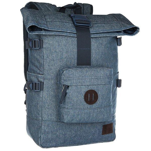 Рюкзак туристический Nixon Swamis Backpack DenimРюкзак, который одинаково хорошо подойдёт как для передвижения по городу, так и для поездки или даже похода. В его боковых карманах удобно хранить бутылку с водой или, например, фонарик. Закрывающий верхний клапан позволяет прицепить к рюкзаку дополнительное снаряжение.Характеристики:Ручка для переноски.Боковые стяжки для регулировки объема рюкзака. Внутренний карман для ноутбука. Внешний карман на молнии. Мягкие регулируемые лямки с сетчатыми вставками.  «Пятачок» для закрепления аксессуаров на передней стороне рюкзака.<br><br>Цвет: синий<br>Тип: Рюкзак туристический<br>Возраст: Взрослый